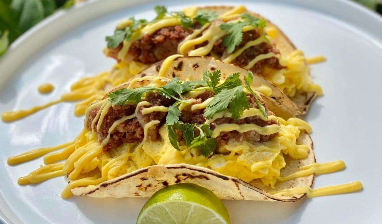 BBQ Beef Benedict Tacos – recipe